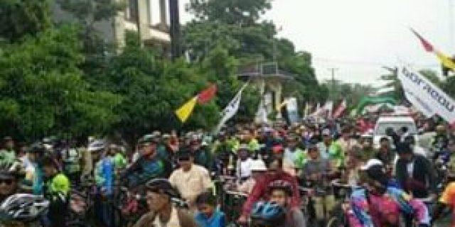 Ribuan Peserta Meriahkan Fun Bike Harlah ke-27 MAN 1 Metro