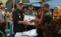Plt.Bupati Lamtim Salurkan Bantuan Banjir