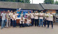 Pemuda Muhammadiyah Sekampung bagi Takjil Gratis