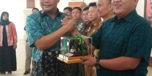 PWI Lamtim Raih Penghargaan Dari KPU Lamtim