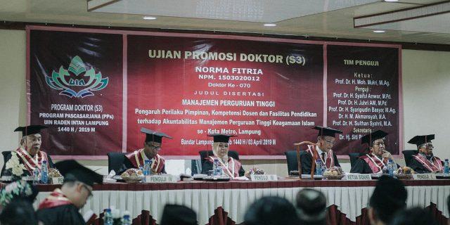 Selesaikan Program Doktoral, Norma Fitria Doktor Pertama pada IAI Agus Salim Kota Metro
