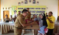 Disponsori LKS Surya Bakti,  Zaiful Serahkan Bantuan Untuk 320 Lansia