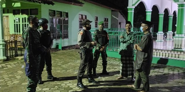 Polsek Sekampung Udik Gelar Patroli Bersama Besar Dan Sosialisasi