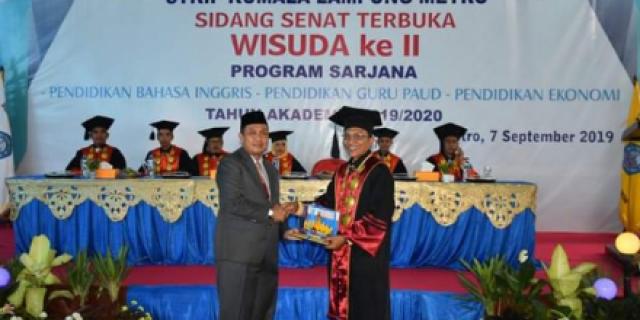 262 Mahasiswa STKIP Kumala Lampung Diwisuda
